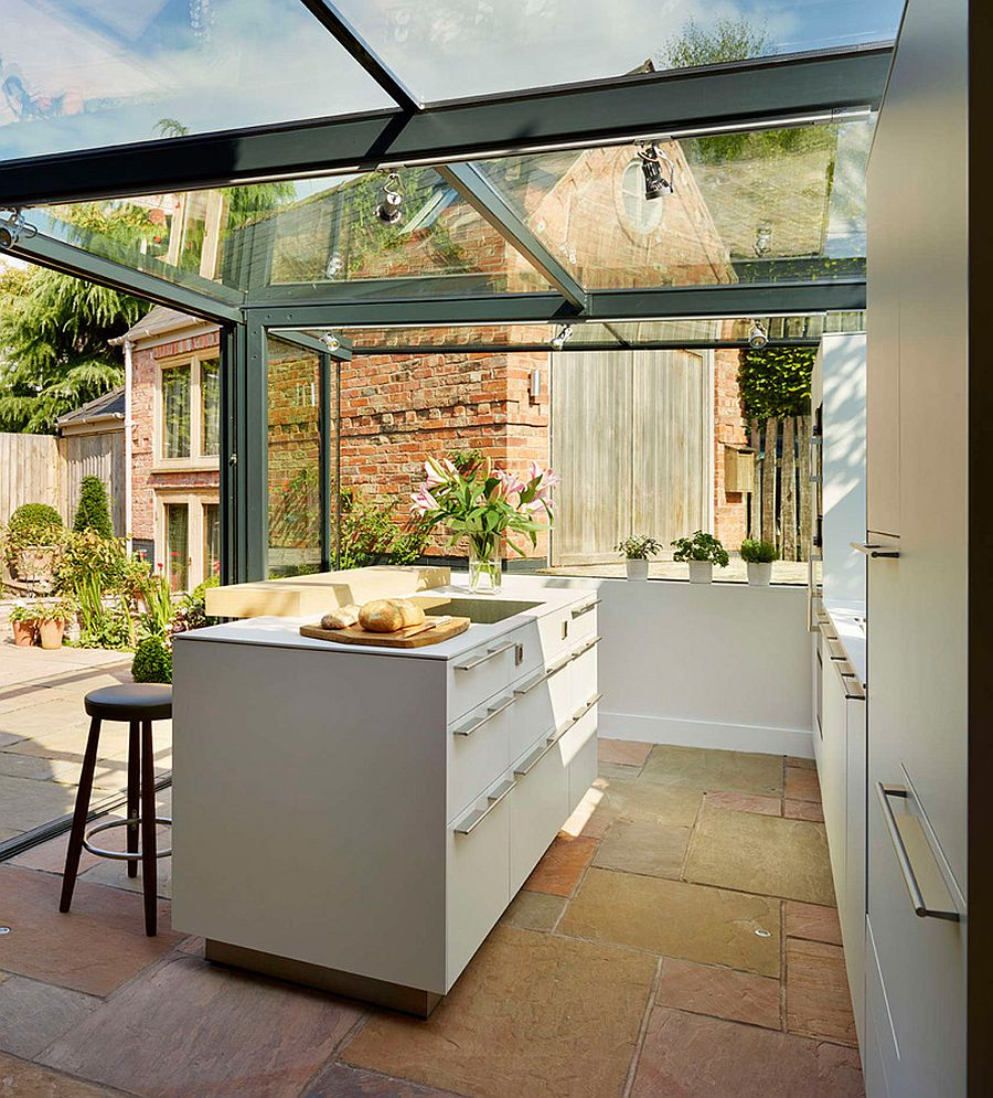 Sliding-glass-doors-open-up-the-kitchen-to-the-garden